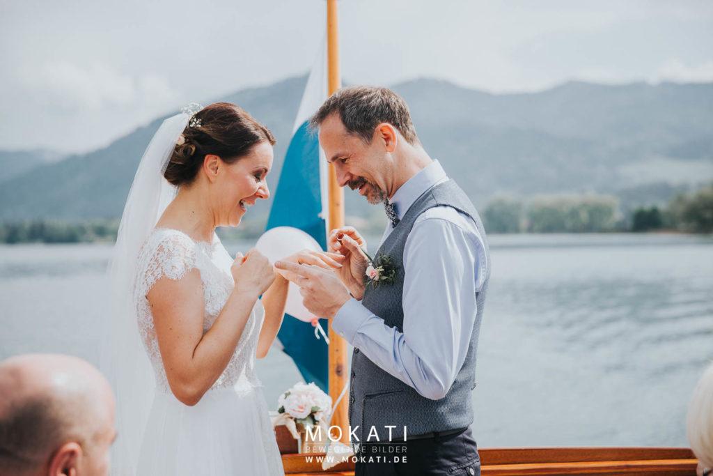 Freie Trauung auf dem Tegernsee mit Hochzeitsfotograf aus München