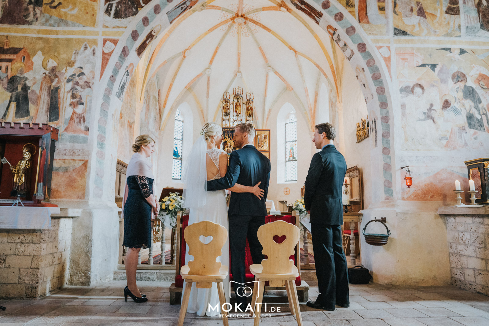 Kirchliche Trauung in Schleching mit Hochzeitsfotograf und Hochzeitsvideograf