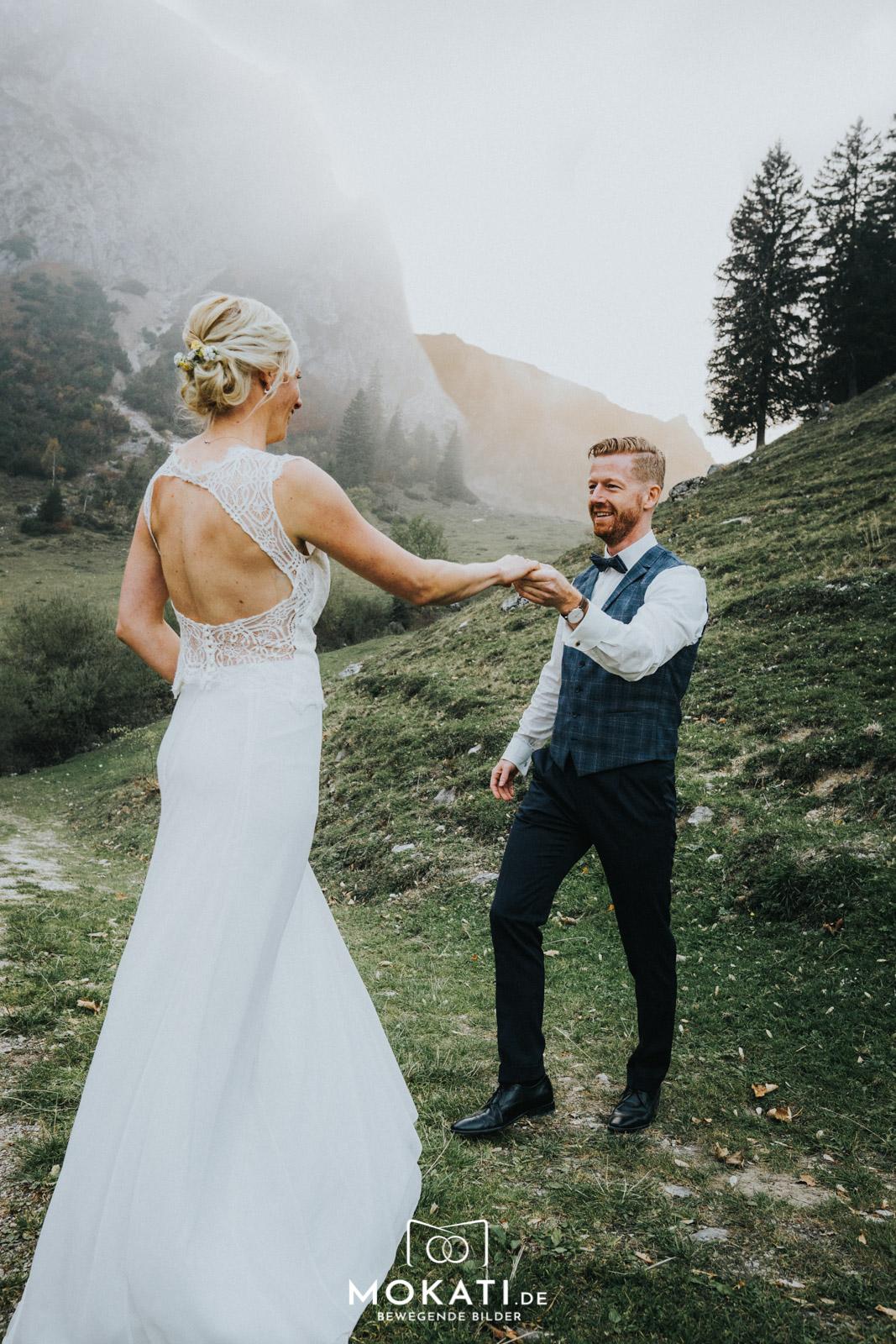 Heiraten auf der Wuhrsteinalm in Schleching mit Hochzeitsfotograf und Hochzeitsvideograf aus München