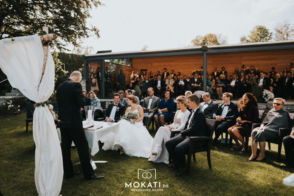 Freie Trauung im Seehaus am Ammersee mit Hochzeitsfotograf und Hochzeitsvideograf aus München
