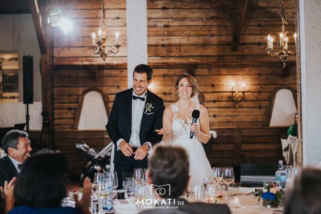 Hochzeitslocation Seehaus am Ammersee die Reden am Hochzeitstag vom Hochzeitsvideografen gefilmt