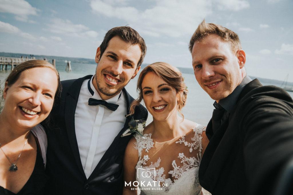 Hochzeitsselfie mit den Brautpaar