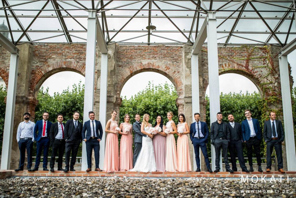 Gruppenfotos an Hochzeitstag mit Hochzeitsfotograf aus München