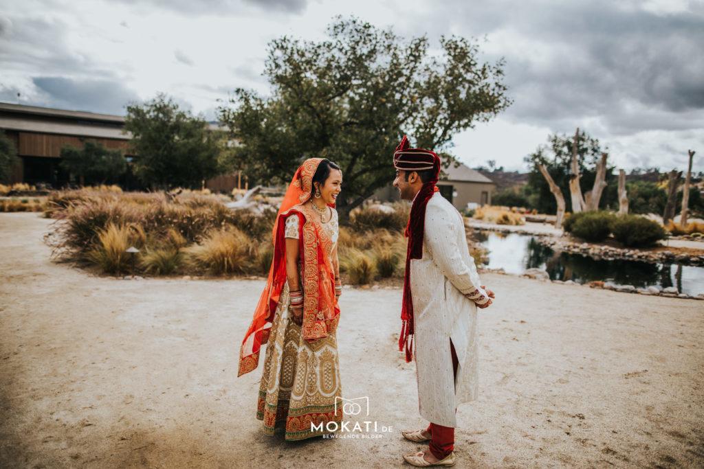 First Look Photos im Galway Downs im California on a Indianwedding