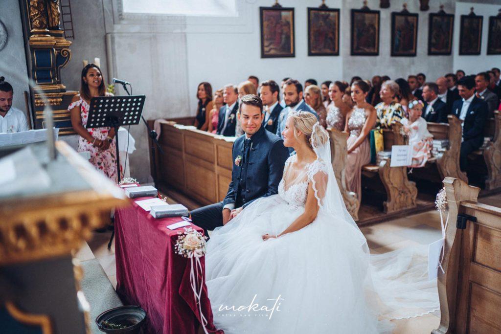 Hochzeitsvideograf München in Kirche in Wolfratshausen