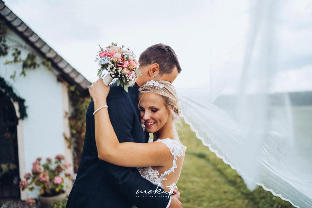 Hochzeitsfotograf München in Kirche in Wolfatshausen