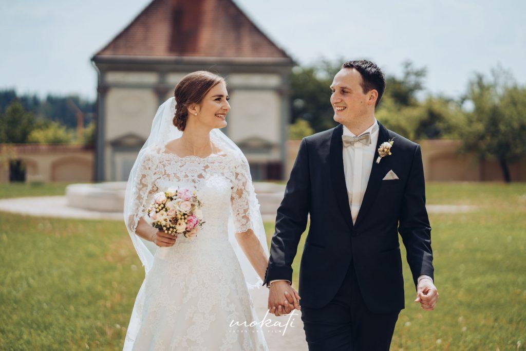 First Look Brautpaarfotos im Kloster Holzen