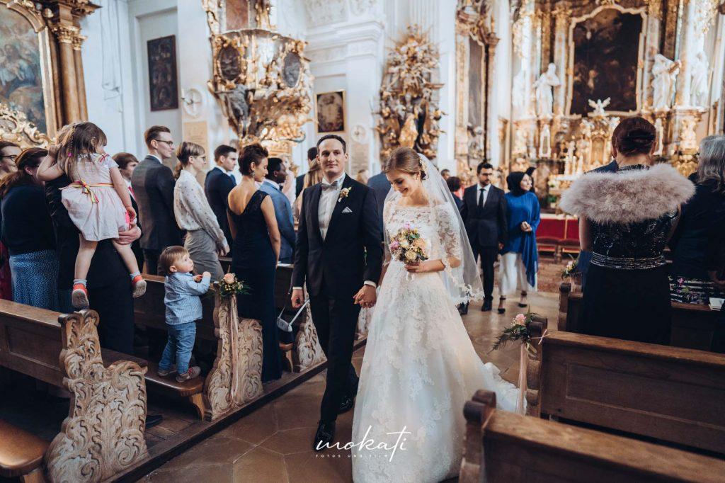 Kirchliche Trauung im Kloster Holzen mit Hochzeitsfotograf aus München