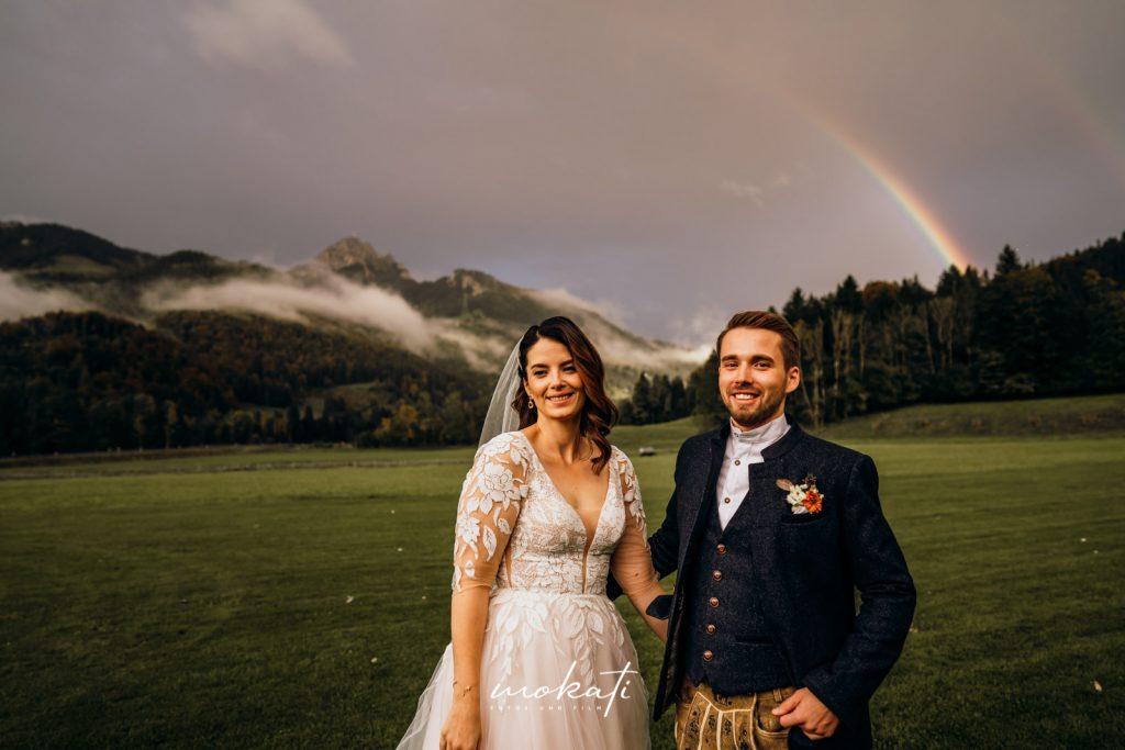 Hochzeitsfotos mit Regenbogen übern Edelstein