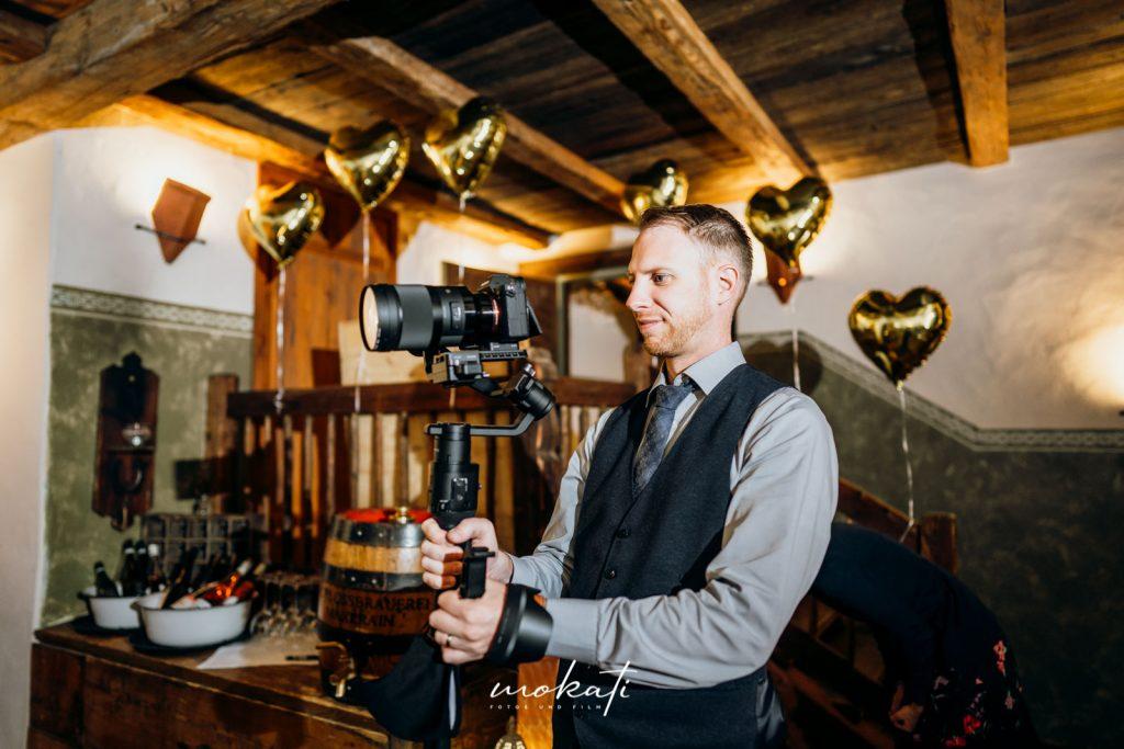 Hochzeitvideograf Andy in Action im Hasenöhrlhof