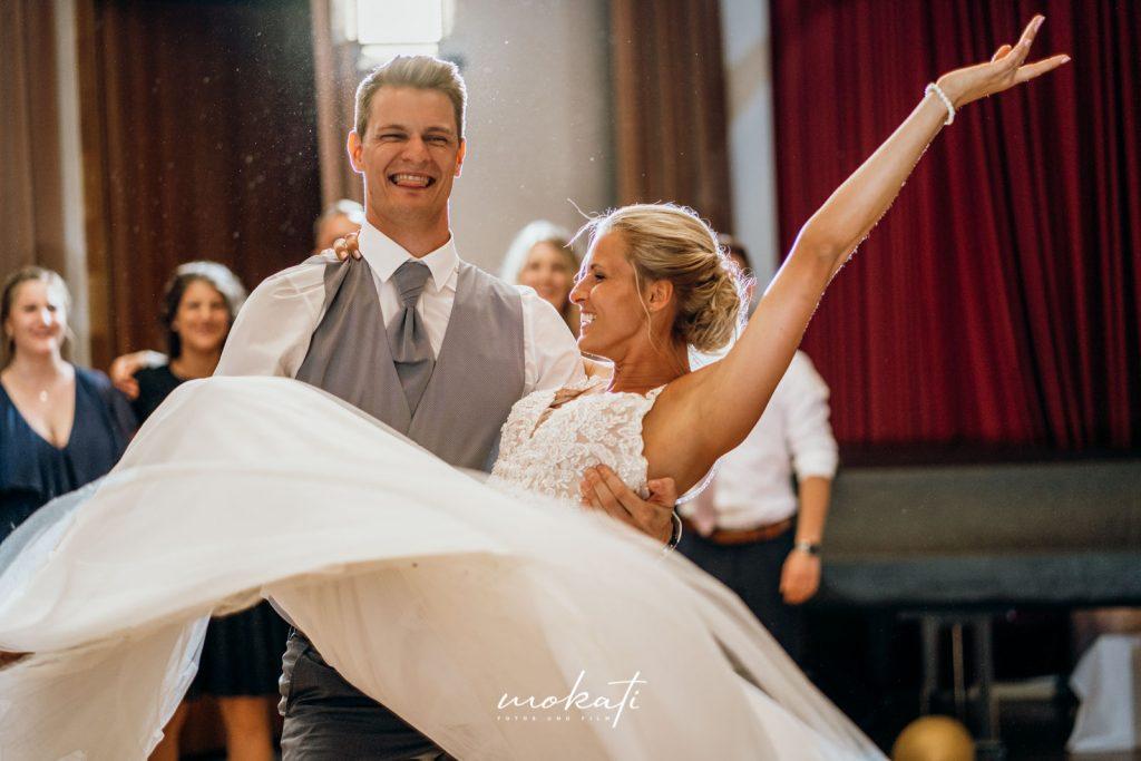 Hochzeitsfotograf München beim Hochzeitstanz
